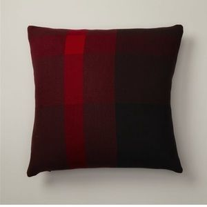 🎈2/$40 Oui Mondo Red Berry Pillow Cover 3/6